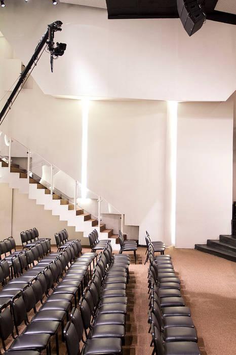 Trapézio por FCM Arquitetura Moderno