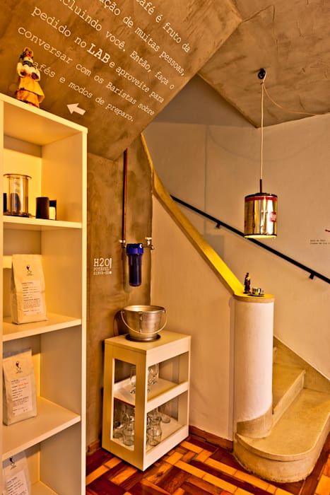Atendimento/Preparo Espaços gastronômicos industriais por Enzo Sobocinski Arquitetura & Interiores Industrial