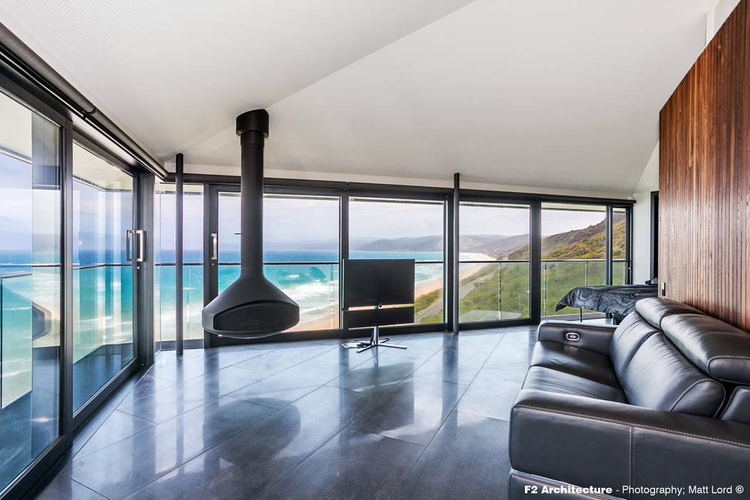 The Pole House Salas de estar mediterrâneas por F2 Architecture Mediterrâneo