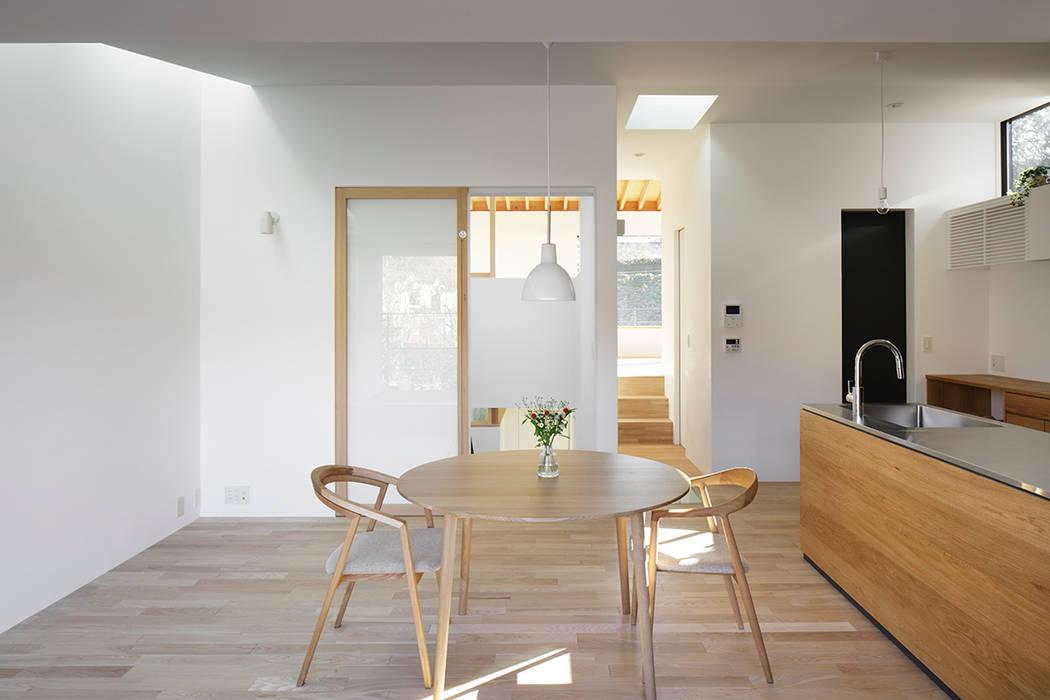 ダイニング: 内田雄介設計室 が手掛けた家です。