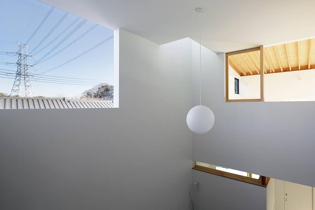 階段からの景色: 内田雄介設計室 が手掛けた家です。