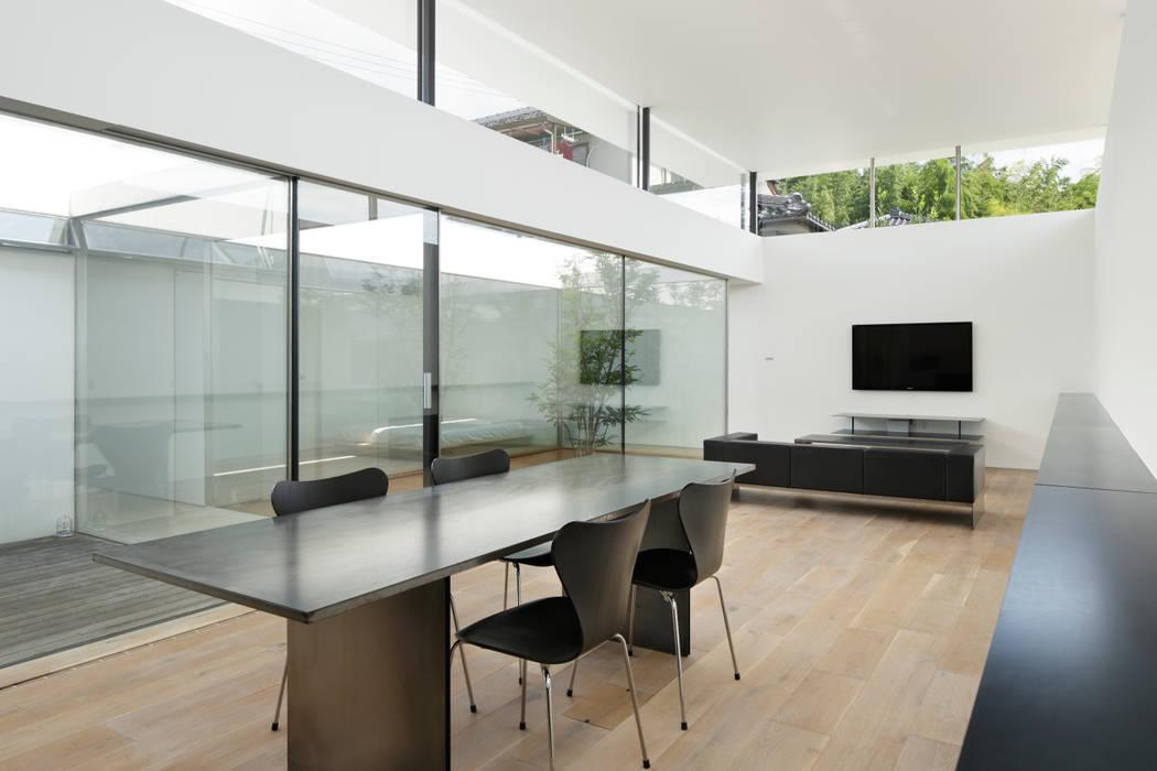 統一されたデザインの家具 ミニマルな 家 の TNdesign一級建築士事務所 ミニマル