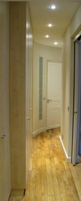 Courir vers la suite parentale Salon moderne par Philippe Ponceblanc Architecte d'intérieur Moderne