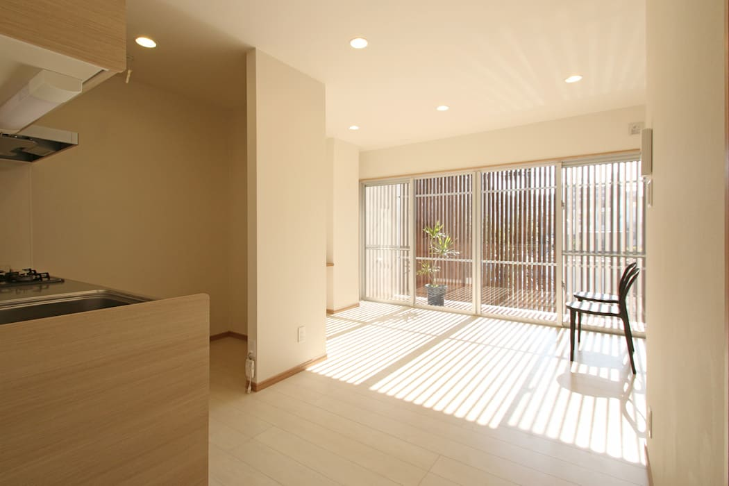 Modern Oturma Odası InOUT architects/インアウトアーキテクツ Modern