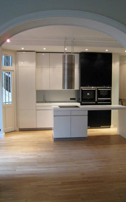 Entre le Salon et la cuisine salle à manger Cuisine minimaliste par Philippe Ponceblanc Architecte d'intérieur Minimaliste