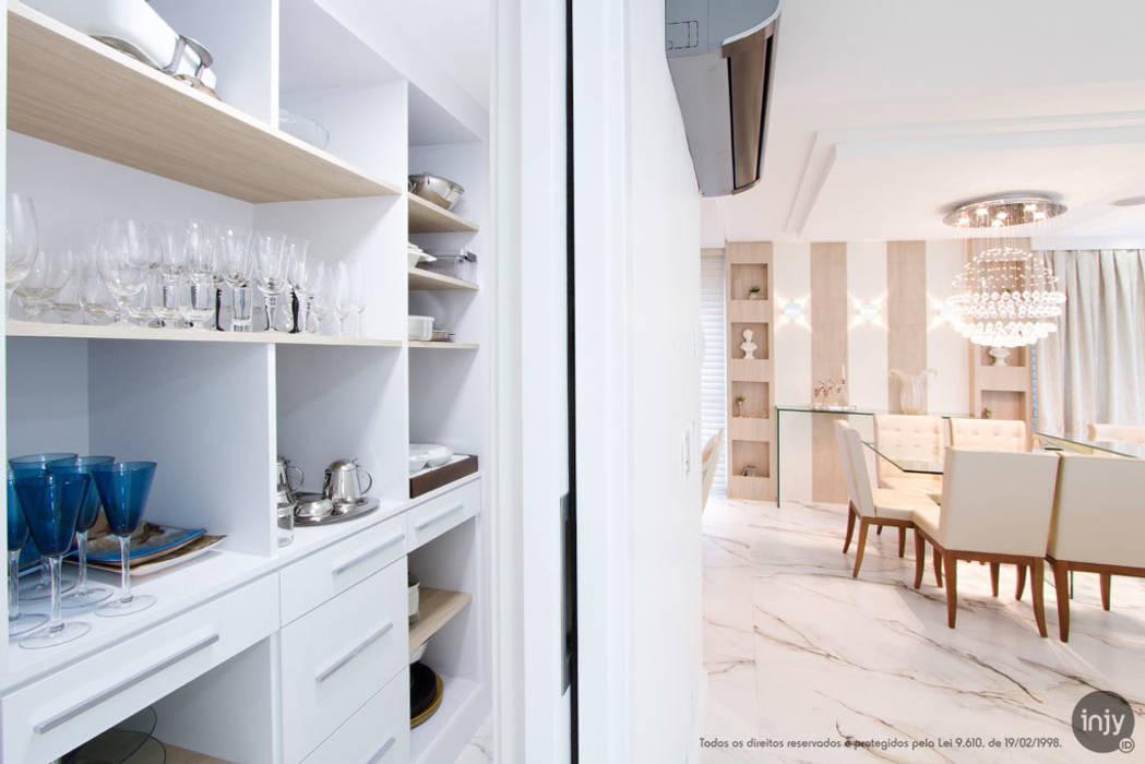 LOUÇARIA:   por injy Interior Design,Eclético