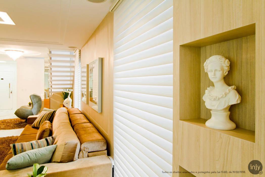 HOME-THEATHER:   por injy Interior Design,