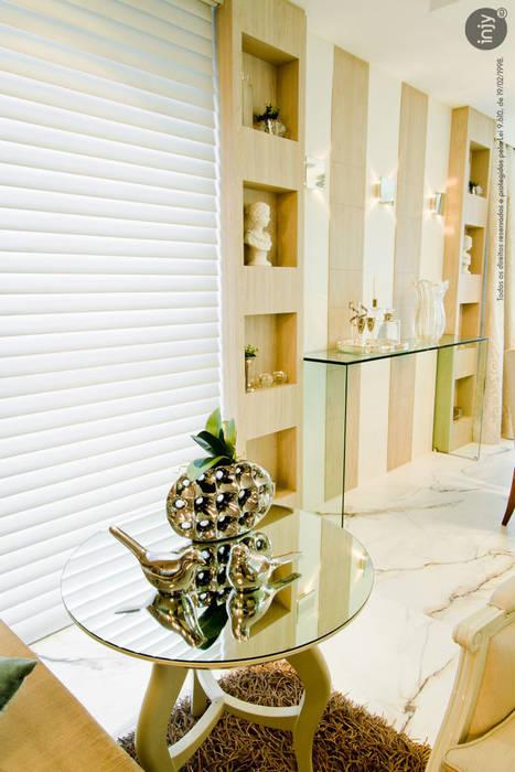 HOME-THEATHER:   por injy Interior Design,Eclético