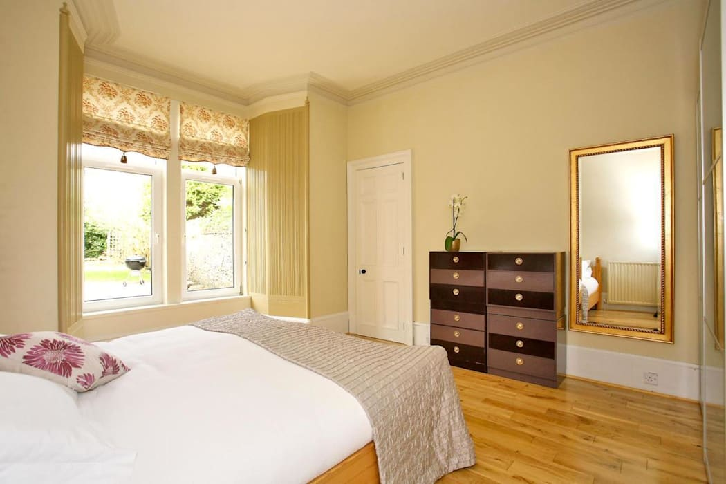 Various Bedrooms Classic style bedroom by Saving Graces Interiors Classic