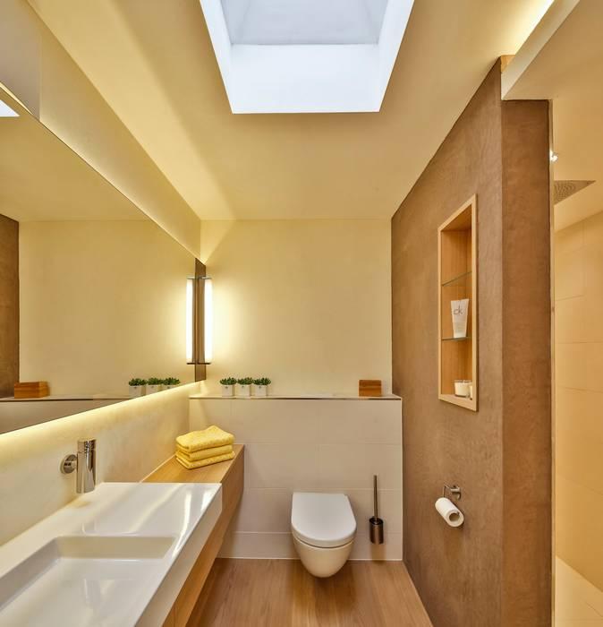 Modern home by 4plus5 Modern