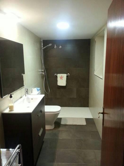 Baño Baños de estilo moderno de Prodereco Moderno