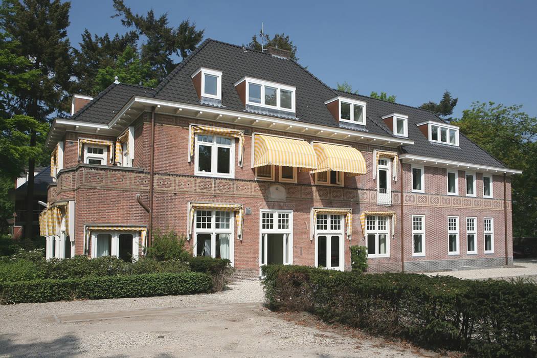 Edificios de oficinas de estilo  por Linea architecten,