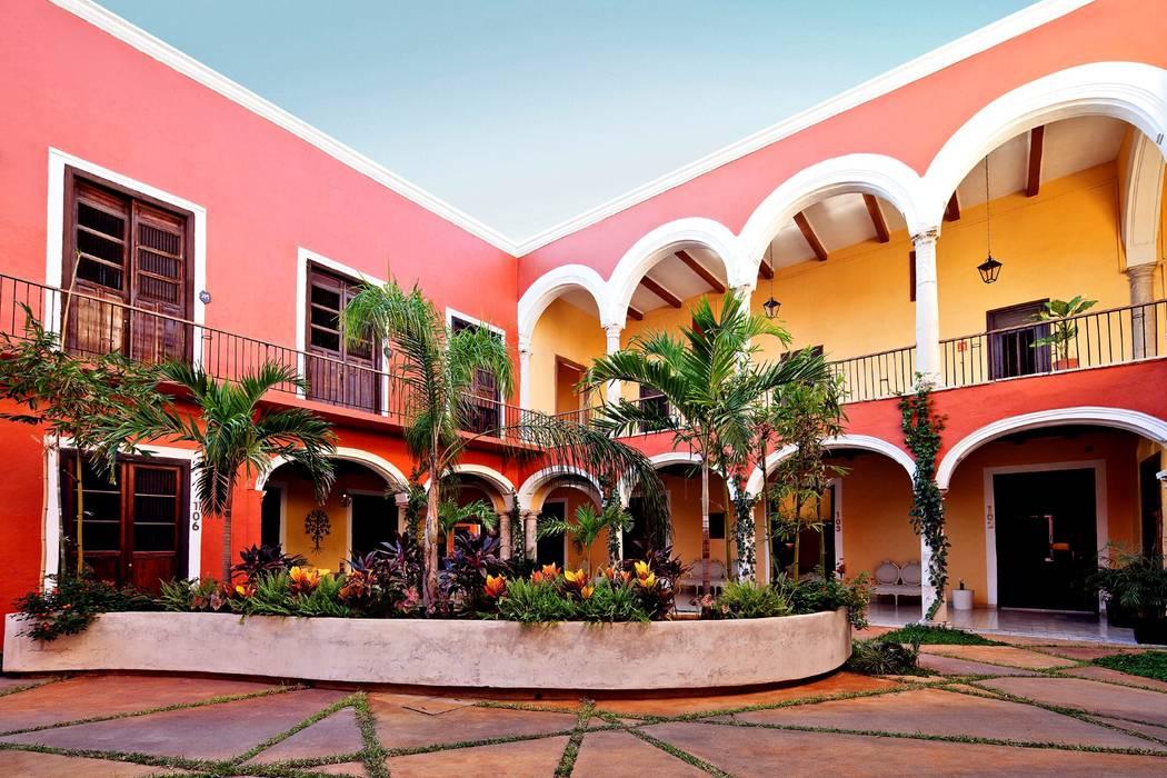 Patio Central Hoteles de estilo ecléctico de Taller Estilo Arquitectura Ecléctico