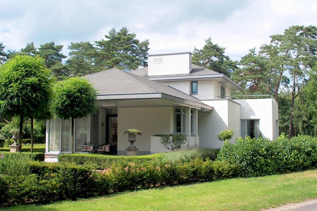 woonhuis in Achel [België]:  Huizen door PHOENIX, architectuur en stedebouw,