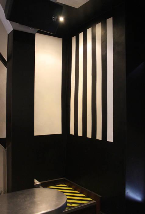 Karactères - Bar - Grenoble Murs & Sols originaux par ISIT ARCHITECTURE Éclectique