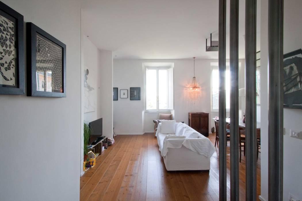 Entrance: Ingresso & Corridoio in stile  di Anomia Studio