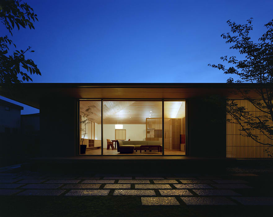 Nhà theo 柳瀬真澄建築設計工房 Masumi Yanase Architect Office,