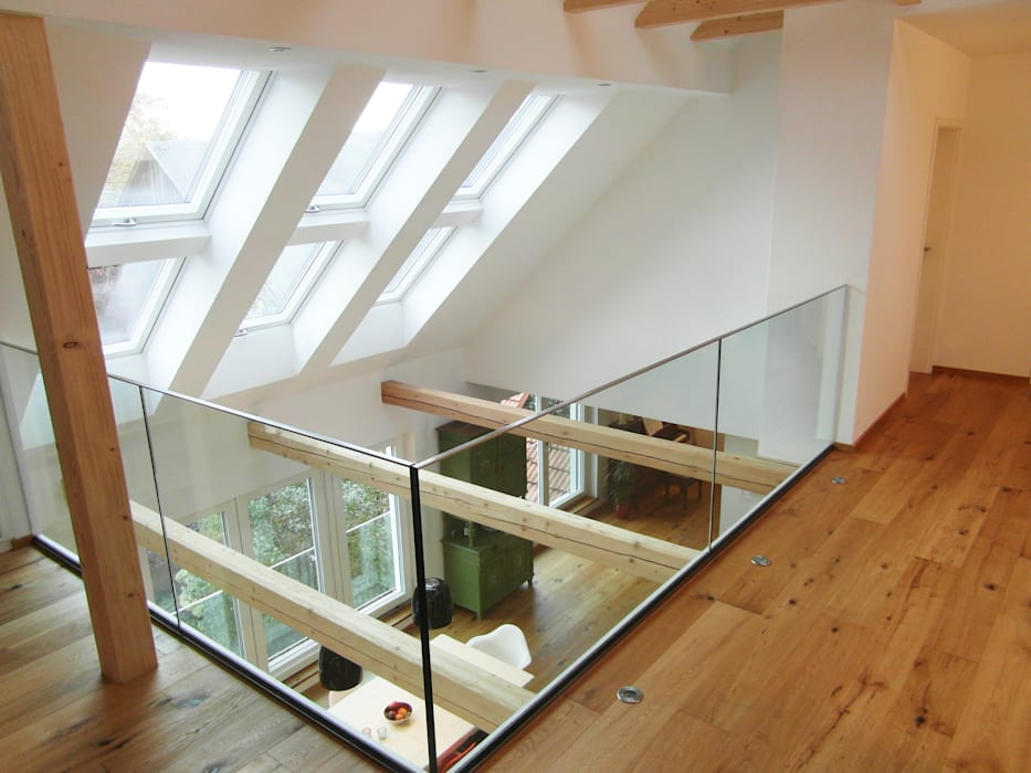 Cactus Architekten Modern corridor, hallway & stairs