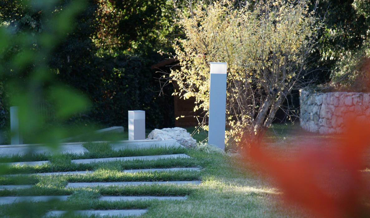 Dettaglio giardino:  in stile  di ASSOCIAZIONE STUDI TECNICI (AST)