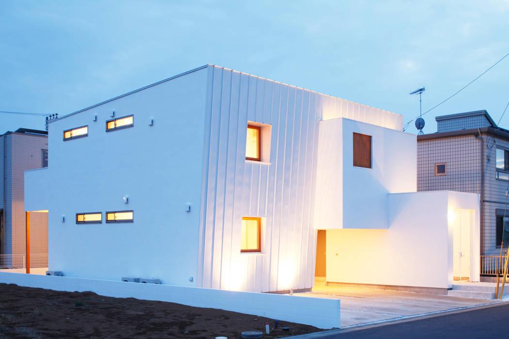 Trapezium House: Kichi Architectural Designが手掛けた家です。,モダン