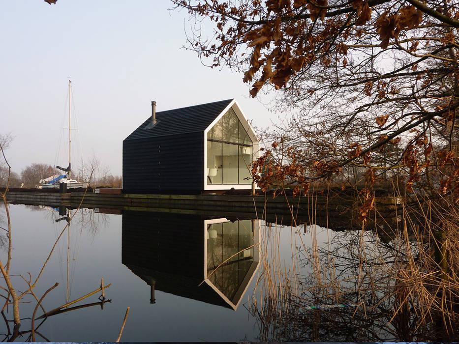 Casas modernas por 2by4-architects Moderno