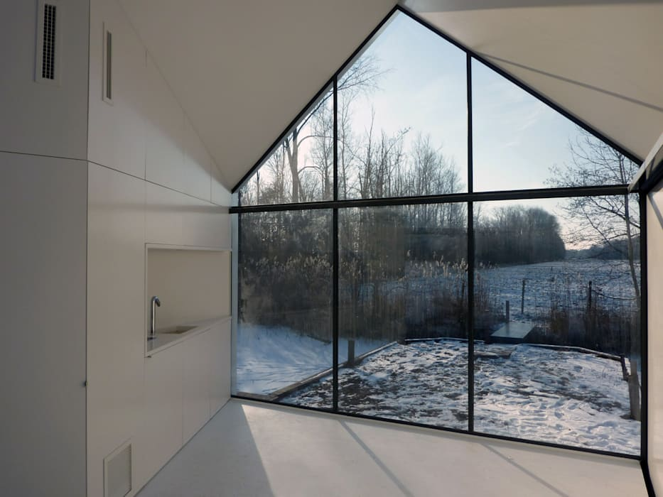 Recreatie woning 2by4-architects Moderne woonkamers