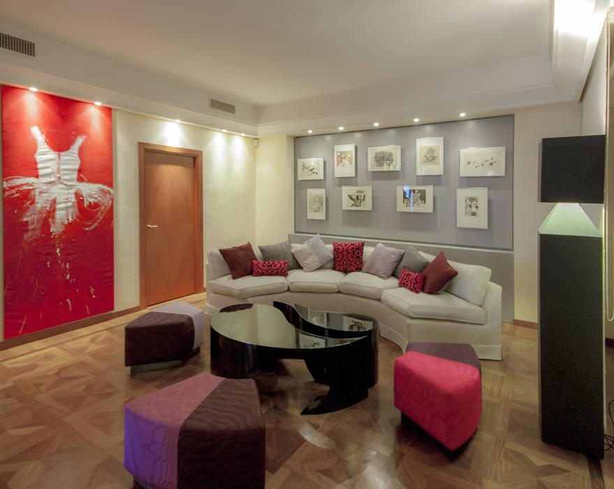 Salotto, zona conversazione: Case in stile in stile Eclettico di Federico Celletti