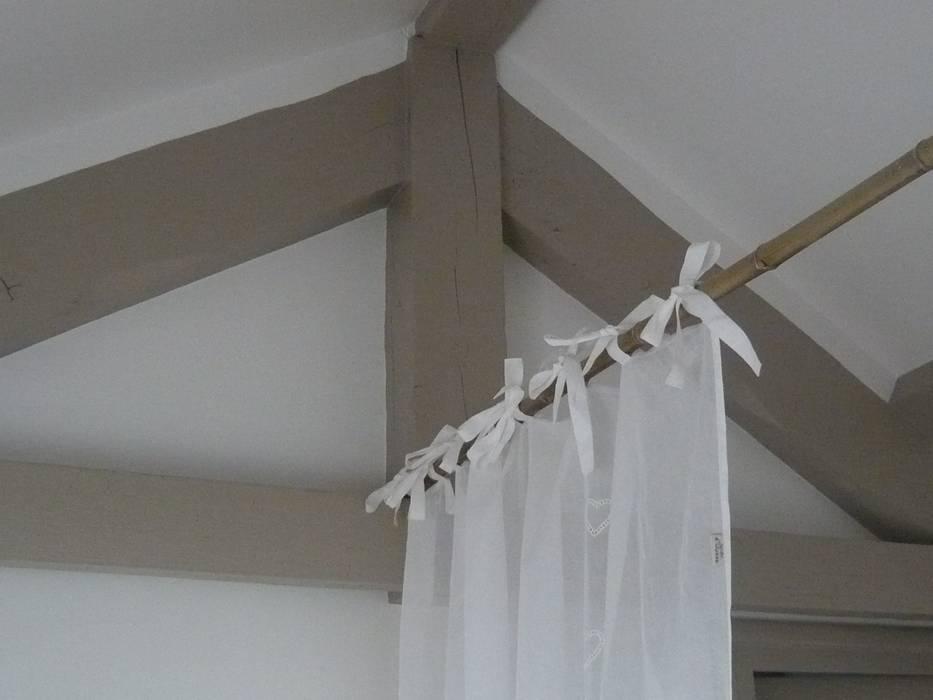 Une structure très légère Chambre classique par Vertinea Classique