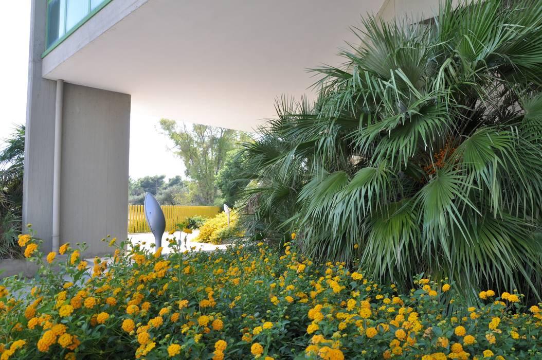 Tranquillità e benessere MELLOGIARDINI EXTERIOR DESIGNERS Giardino in stile mediterraneo