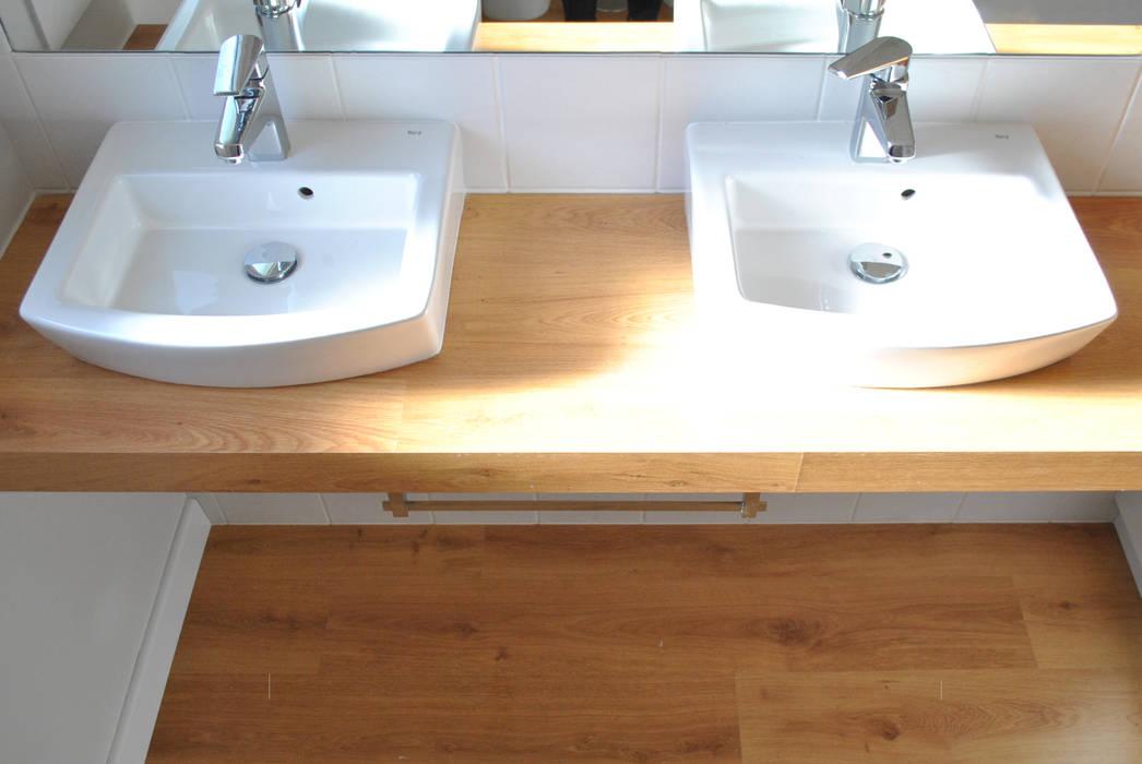 Reforma integral. La casa de la abuela: Baños de estilo escandinavo de Estudio de Arquitectura Sra.Farnsworth