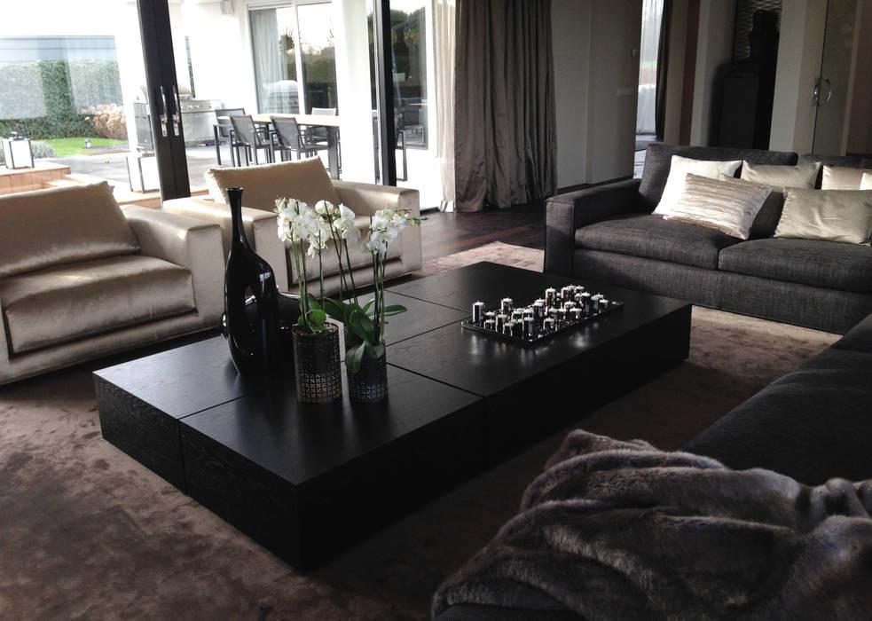 luxe zithoek:  Woonkamer door choc studio interieur