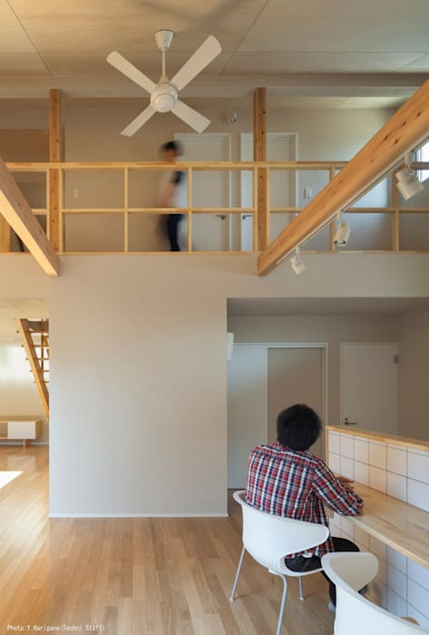 TOHKOU HOUSE: 松岡健治一級建築士事務所が手掛けたダイニングです。