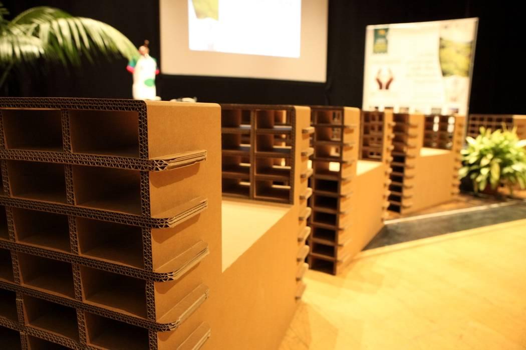 에클레틱 스타일 컨퍼런스 센터 by Nardi Mobili in Cartone 에클레틱 (Eclectic)