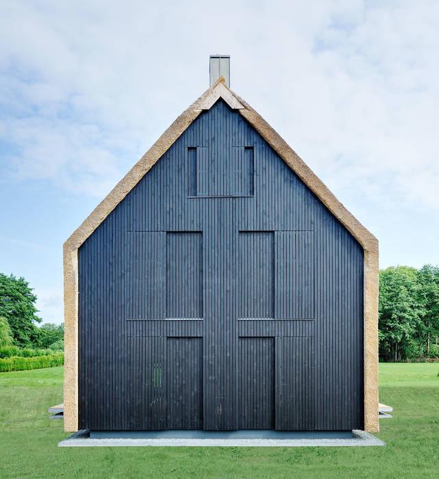 Scheunentrio mit Reetfassade, Landesbaupreis 2014:  Häuser von Möhring Architekten