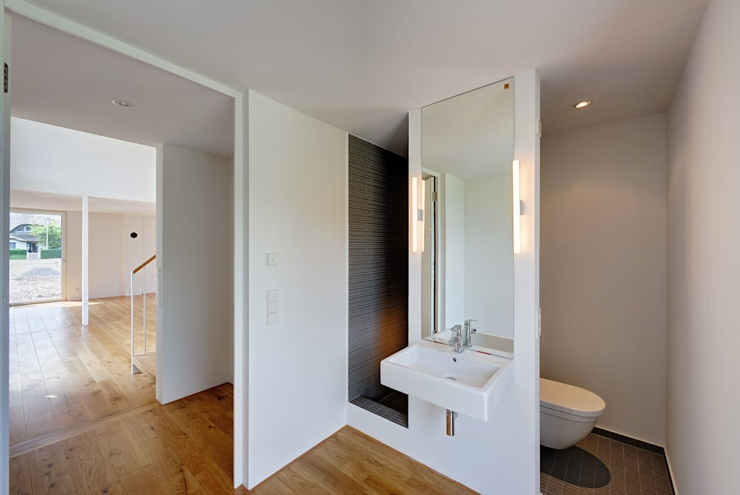 Möhring Architekten Modern style bathrooms
