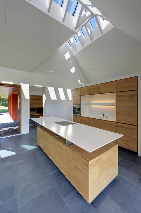 Modern style kitchen by Möhring Architekten Modern