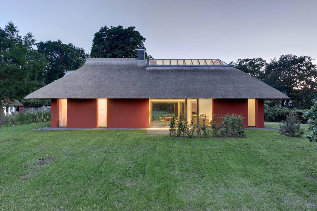 Modern home by Möhring Architekten Modern