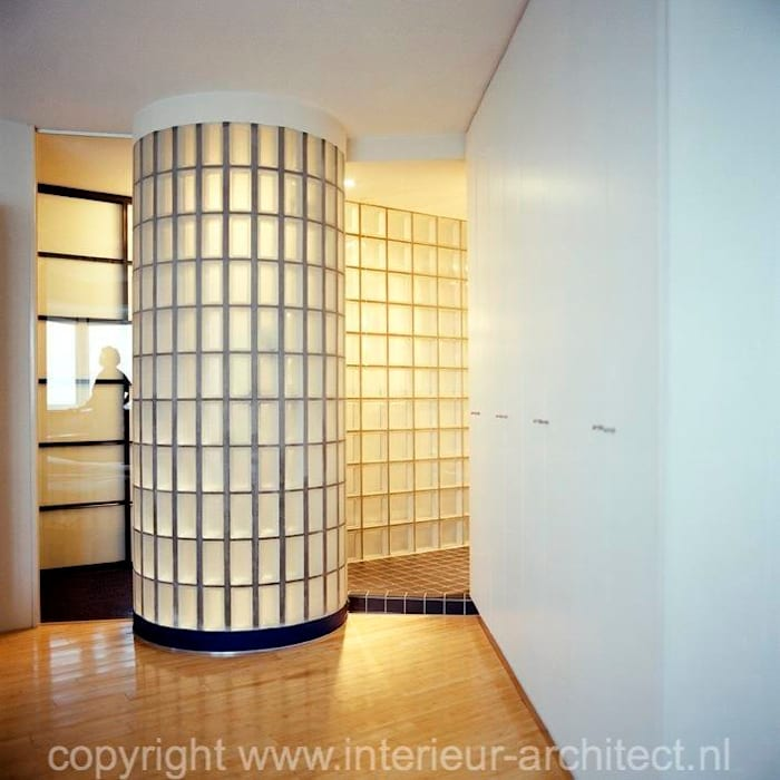 Transparantie badkamer:  Badkamer door Ab Interieurarchitect