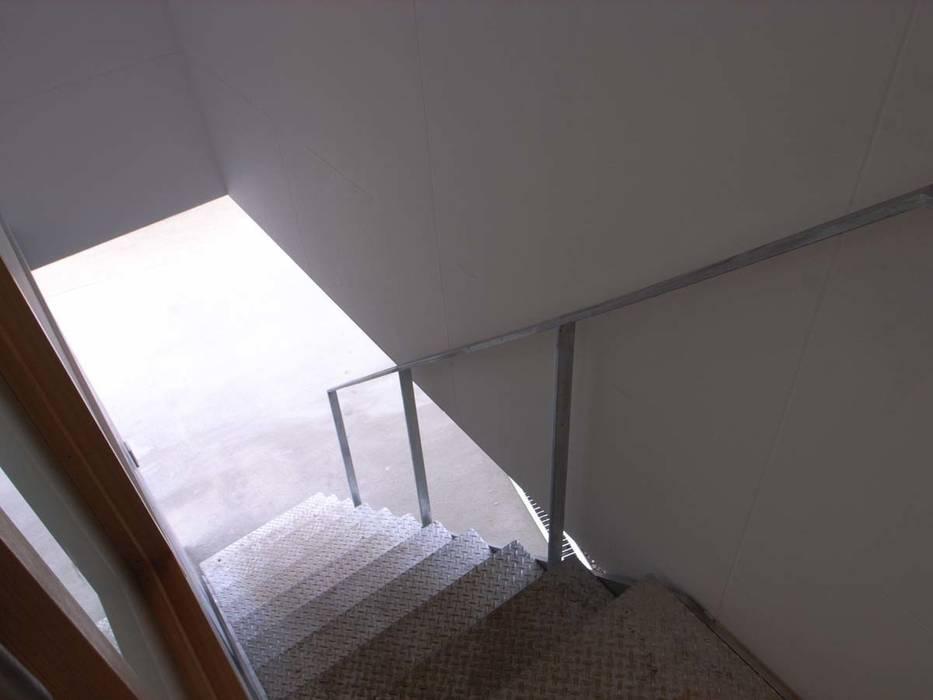 階段 オリジナルな 家 の 家山真建築研究室 Makoto Ieyama Architect Office オリジナル