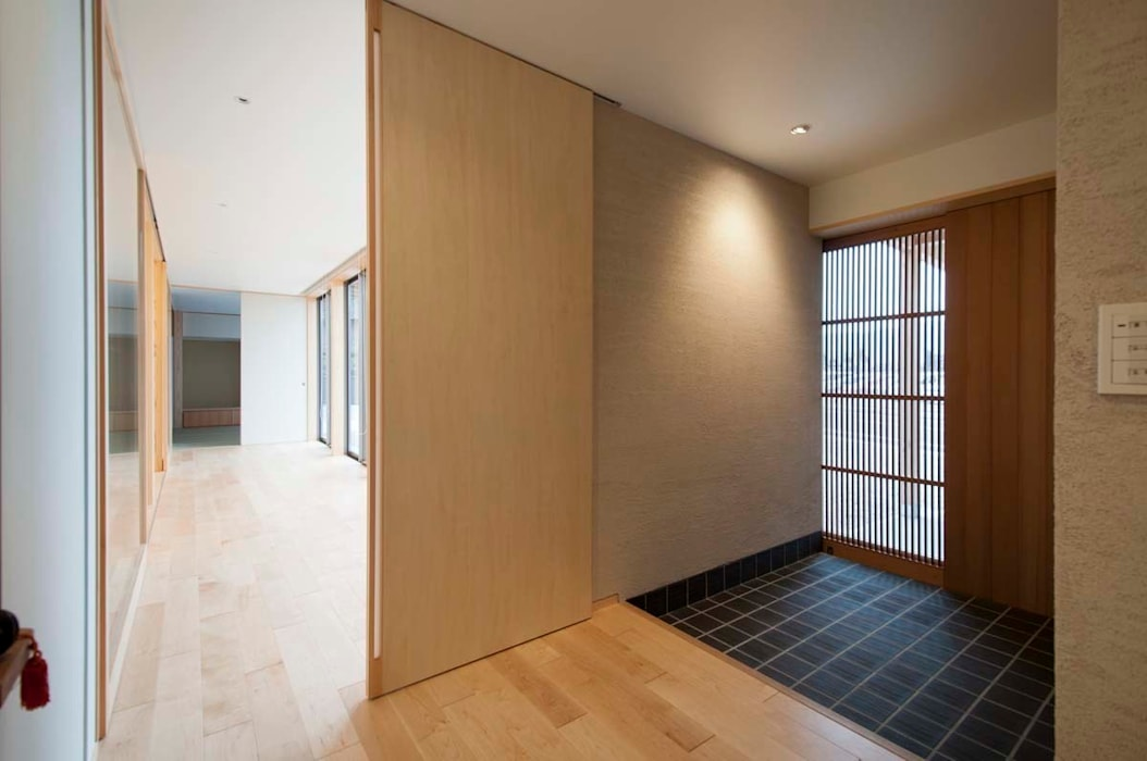 玄関 オリジナルな 家 の 家山真建築研究室 Makoto Ieyama Architect Office オリジナル