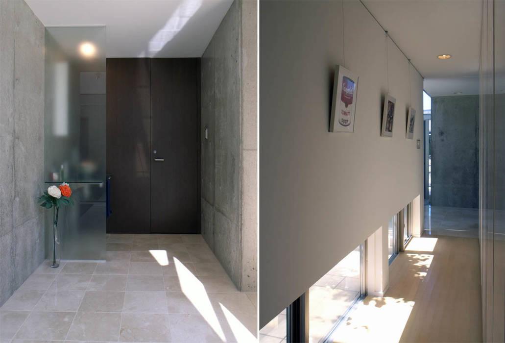玄関ホール: 家山真建築研究室 Makoto Ieyama Architect Officeが手掛けた廊下 & 玄関です。