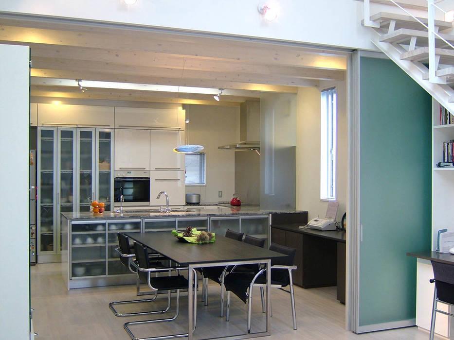 ダイニング・キッチン モダンデザインの ダイニング の 家山真建築研究室 Makoto Ieyama Architect Office モダン