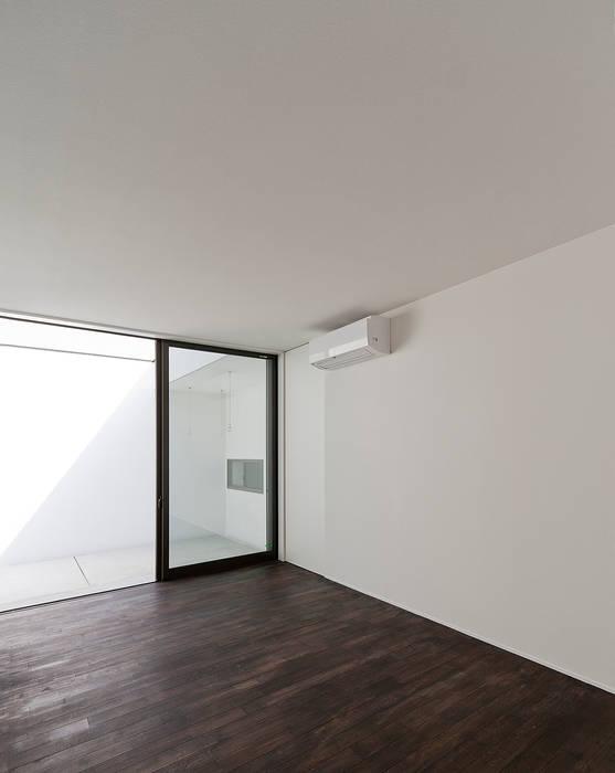 Maisons modernes par ラブデザインホームズ/LOVE DESIGN HOMES Moderne