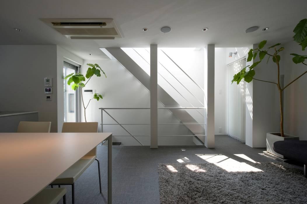 階段廻り モダンスタイルの 玄関&廊下&階段 の 余田正徳/株式会社YODAアーキテクツ モダン