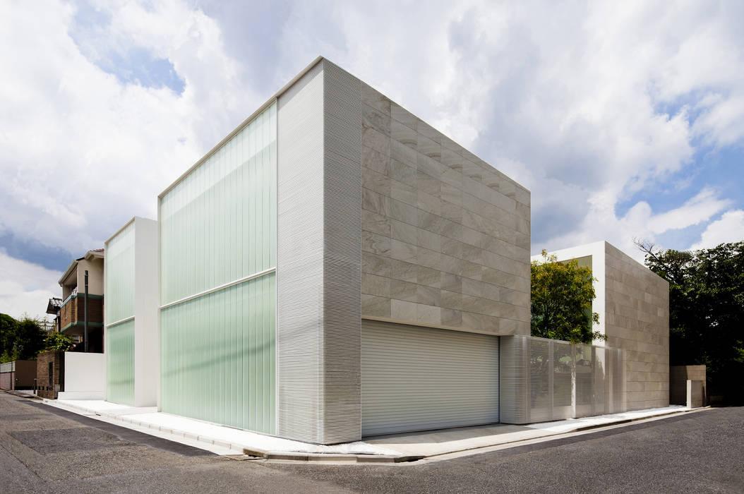 facade ミニマルな 家 の YUCCA design ミニマル