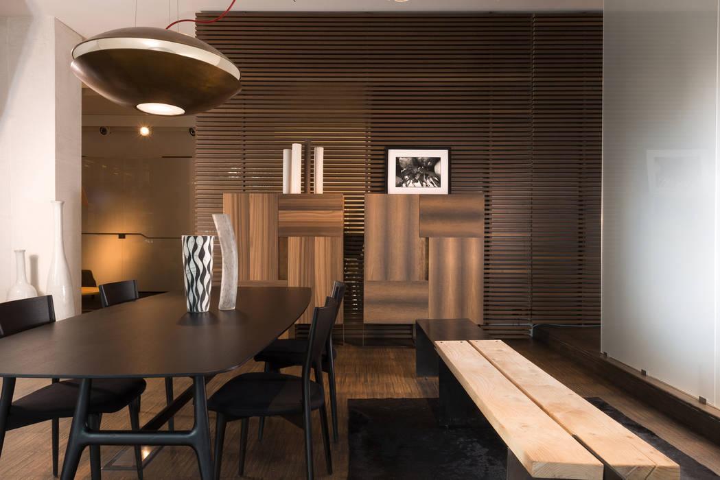 Showroom di busto arsizio: sala da pranzo in stile di forme per ...