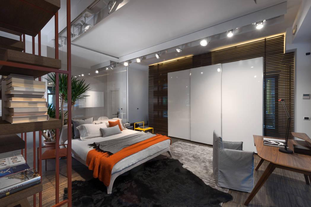 Showroom di busto arsizio: camera da letto in stile di forme per ...