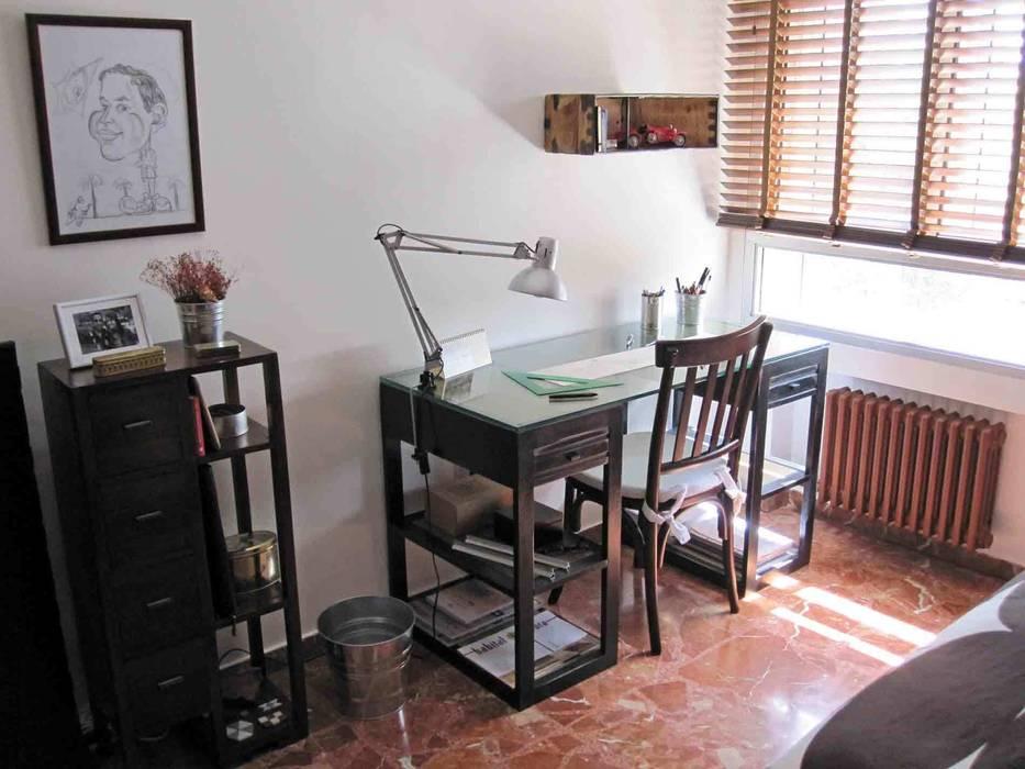 dormitorio en Valladolid: Estudios y despachos de estilo  de CarlosSobrinoArquitecto