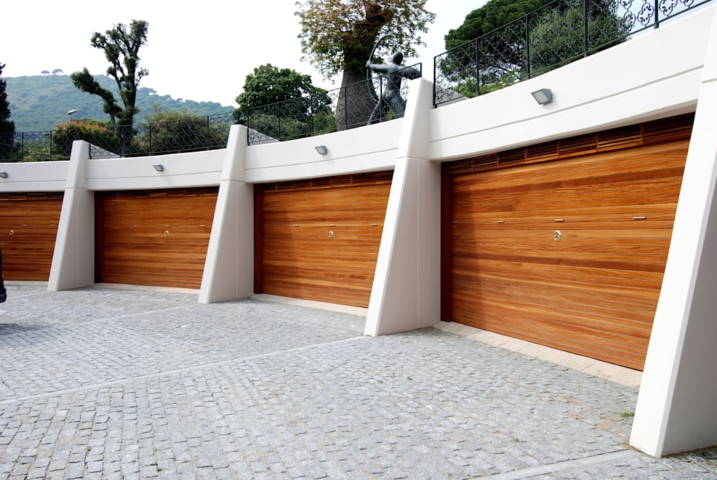 Garage façade Modern Garage and Shed by FG ARQUITECTES Modern