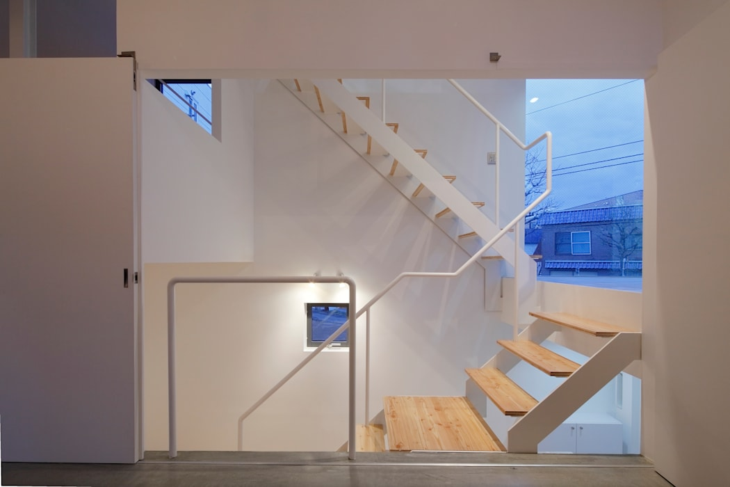 by KEIKICHI YAMAUCHI ARCHITECT AND ASSOCIATES Minimalist